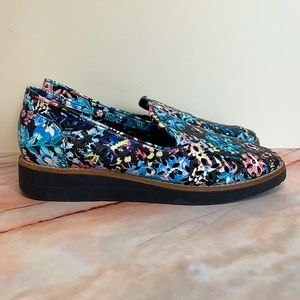 I LOVE BILLY   Floral loafers
